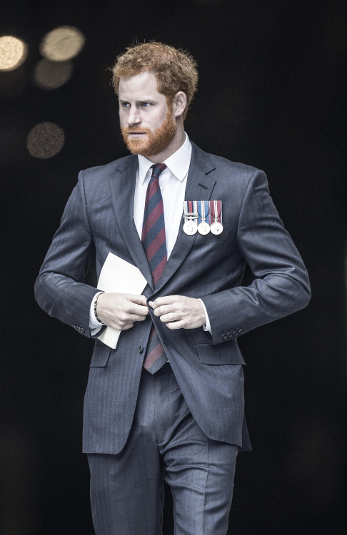 LONDON, UNITED KINGDOM - OCTOBER 22: Prince Harry leaves after a service marking the 75th anniversary of Explosive Ordnance Disposal (EOD) across the British Armed Forces at St Paul's Cathedral on October 22, 2015 in London, United Kingdom. (Photo by Richard Pohle - WPA Pool/Getty Images)
